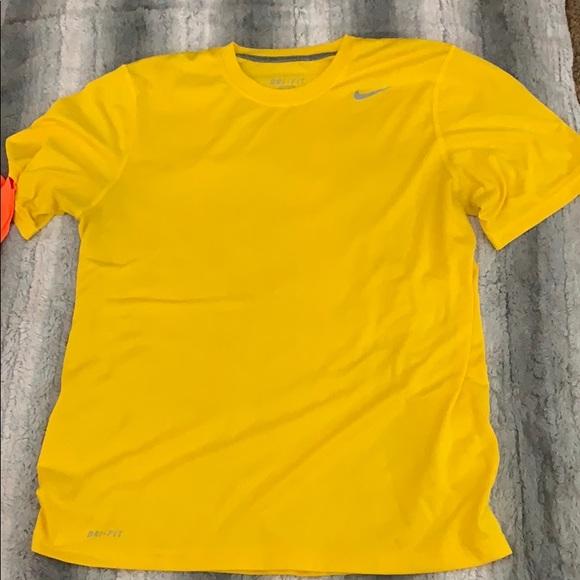 abd9d1a3 Nike Dri-Fit t shirt. M_5cdc9a49d948a1c73556b0d8